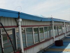 钢结构厂房 彩钢瓦屋面 天沟 漏水 漏雨的原因是什么?