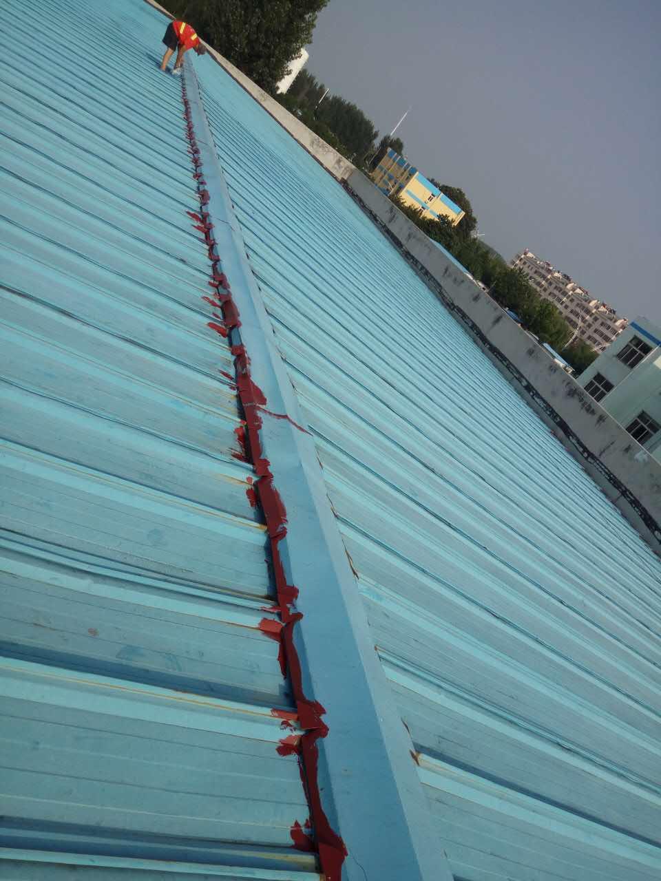 屋面防水施工简述-青岛东方凯德钢结构有限公司